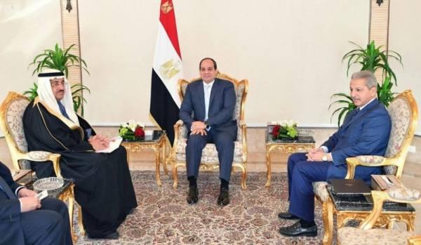 الرئيس المصري يستقبل وزير الدولة عضو مجلس الوزراء الدكتور عصام بن سعيد