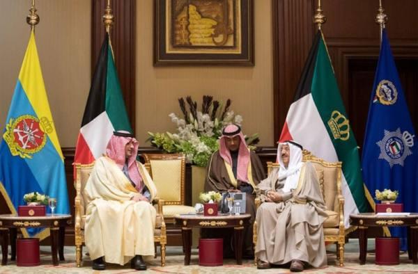 أمير الكويت يستقبل وزير الداخلية