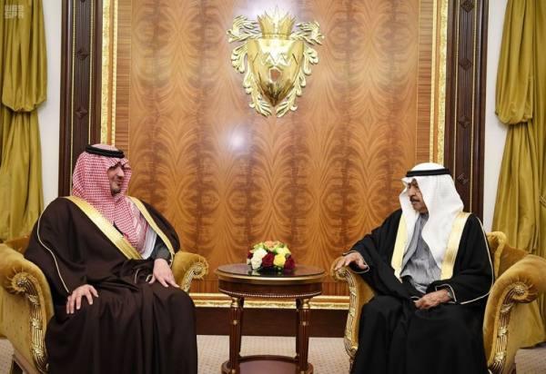 وزير الداخلية يلتقي رئيس الوزراء البحريني