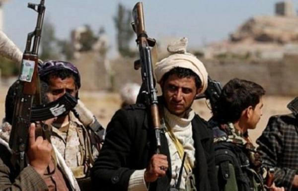 مسؤولون يمنيون يدعون إلى الوقوف خلف الشرعية لدحر ميليشيا الانقلاب الإيرانية من اليمن