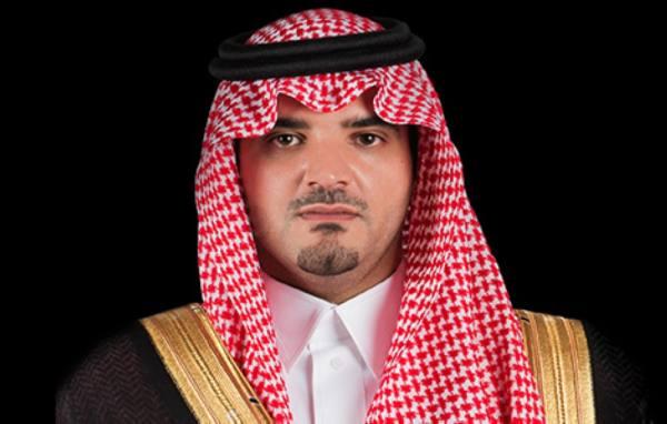 وزير الداخلية يلتقي نائب رئيس مجلس الوزراء وزير الداخلية الإماراتي