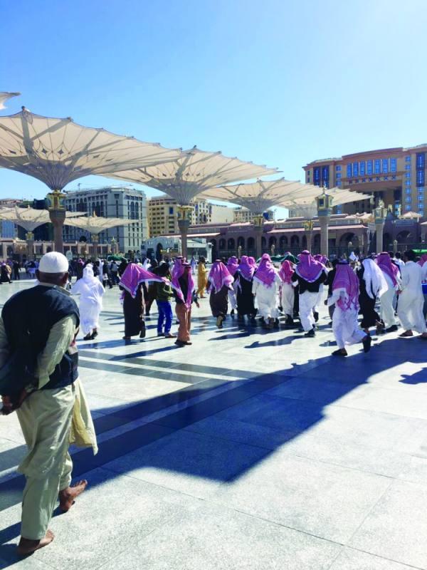 تشيع جثمان الطالب بعد الصلاة عليه في المسجد النبوي
