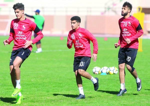 الشيخ يشارك في تدريبات فريقه الاتفاق