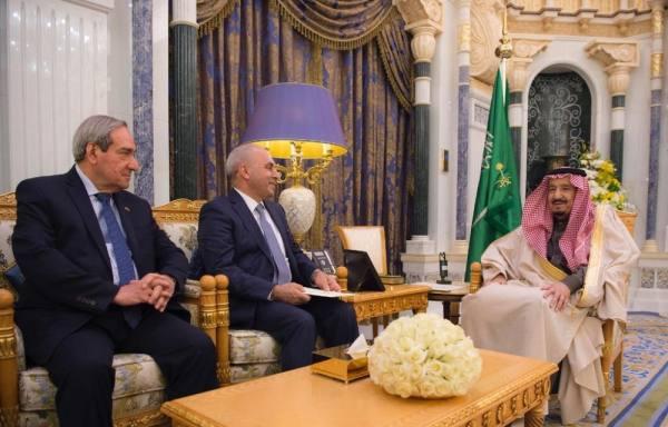 خادم الحرمين يستقبل وزير التخطيط وزير التجارة بالوكالة في العراق