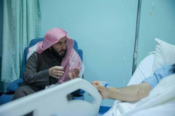 وزير العدل يطمئن على صحة القاضي الجدوع بعد تعرضه لطلق ناري