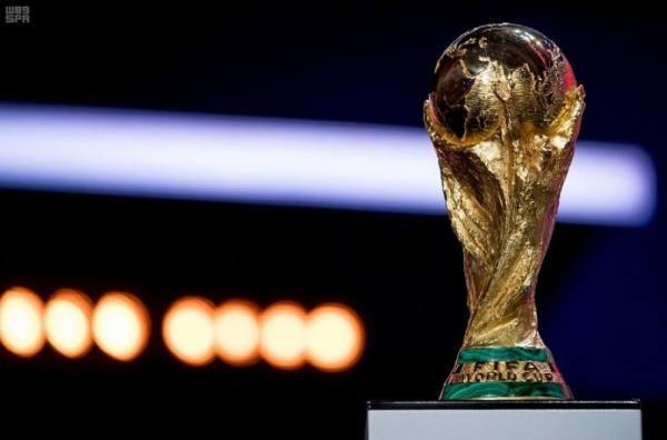 بوتين يرشح منتخبات أوروبا وأمريكا الجنوبية للفوز بكأس العالم 2018