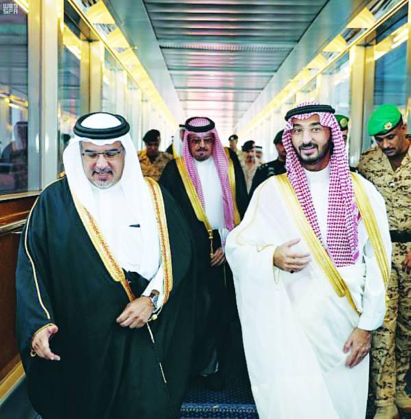 نائب أمير مكة في وداع ولي العهد البحريني