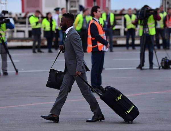 بالصور.. المنتخب السعودي الأول لكرة القدم يصل روسيا