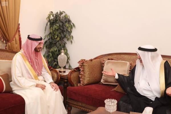 الأمير عبدالله بن بندر يعايد العلماء والمشايخ في مكة