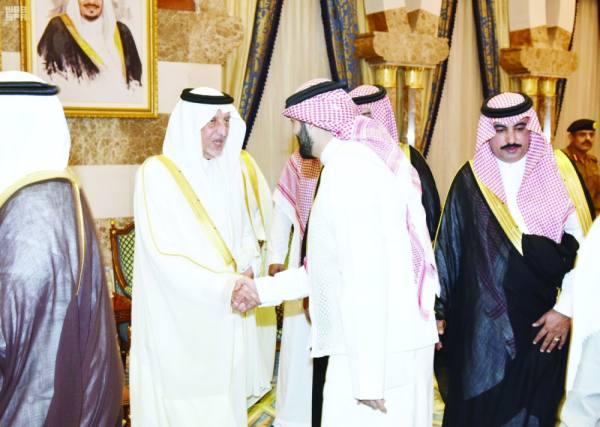 أمير مكة يستقبل المهنئين بالعيد