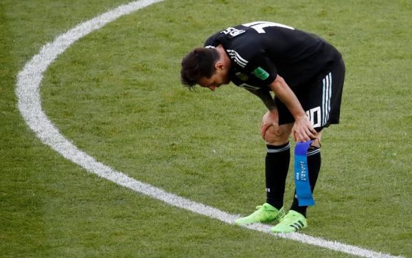 الأرجنتين يسقط في فخ التعادل مع أيسلندا .. وميسي يضيع ضربة جزاء