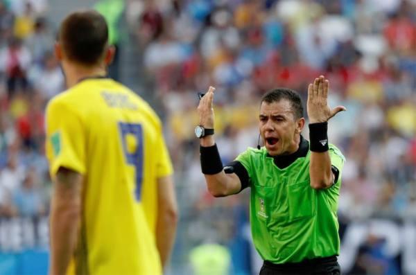 السويد تكلل عودتها الى النهائيات بفوز ثمين