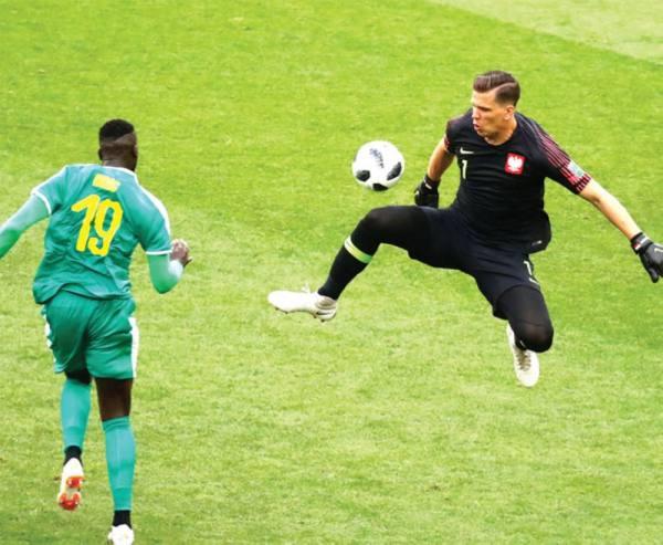 السنغال تنتزع أول فوز إفريقي بإسقاط بولندا