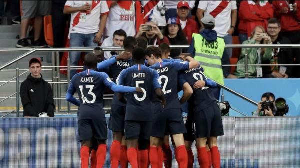فرنسا تتأهل لدور الـ 16 بعد فوزها على البيرو 1-0