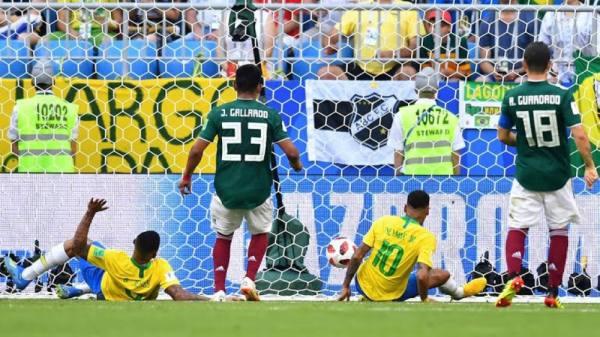 نيمار يتألق ويقود البرازيل لدور الثمانية على حساب المكسيك