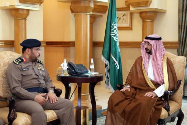 عبدالله بن بندر يتسلم تقريرا عن أعمال الدفاع المدني بالعاصمة المقدسة