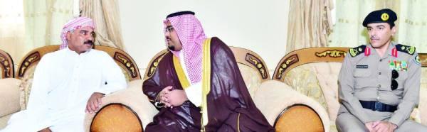 الأمير تركي بن هذلول أثناء تأدية واجب العزاء