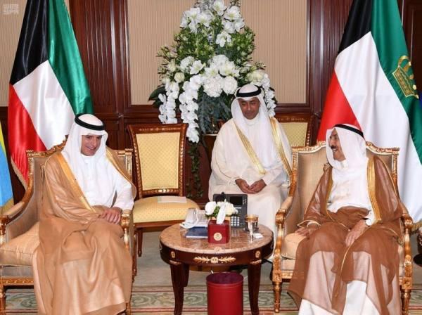 أمير الكويت يستقبل وزير الخارجية