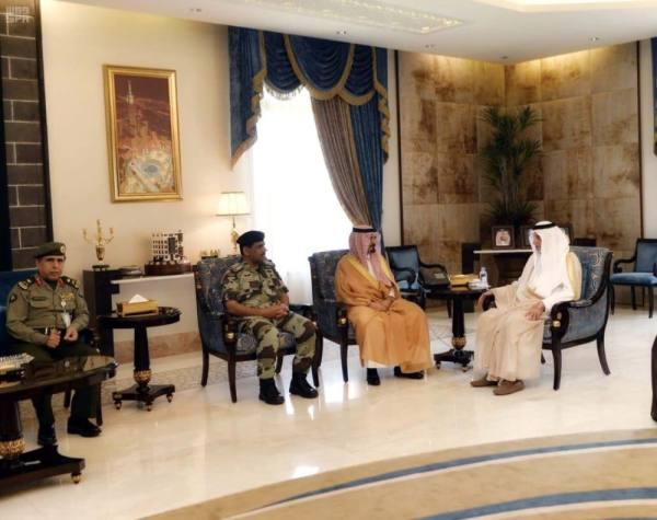 امير مكة يلتقي مساعد وزير الداخلية لشؤون العمليات