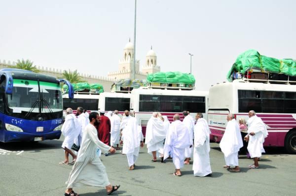 الحجاج خلال التفويج لمكة