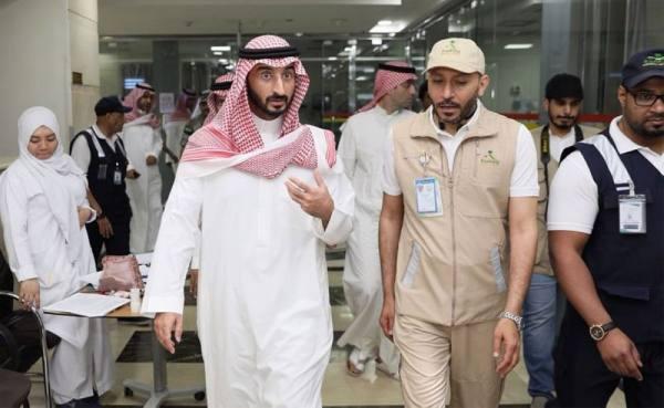 نائب أمير مكة يتفقد عددًا من الجهات الحكومية بالعاصمة المقدسة