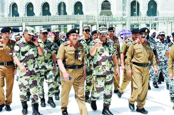 الفريق الحربي يتابع تنفيذ خطة الجمعة بالمسجد الحرام