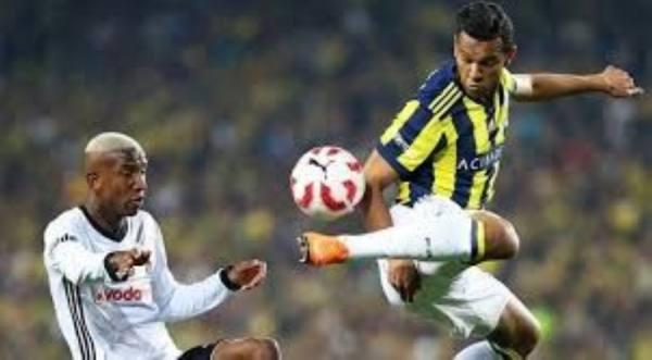 دي سوزا بقميص فريقه السابق فنربخشة التركي