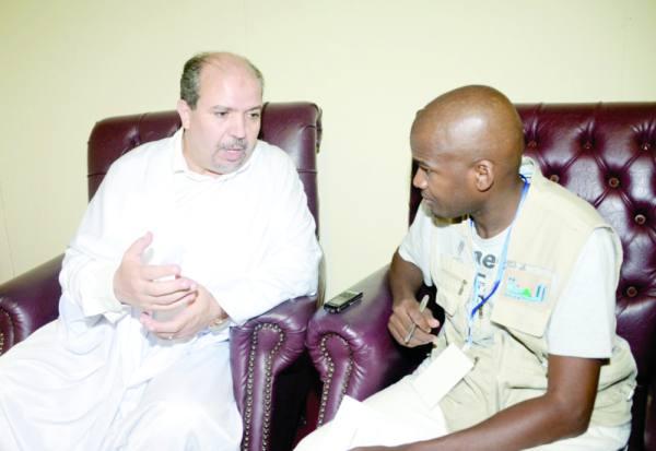 الوزير الجزائري يتحدث لمحرر «المدينة»