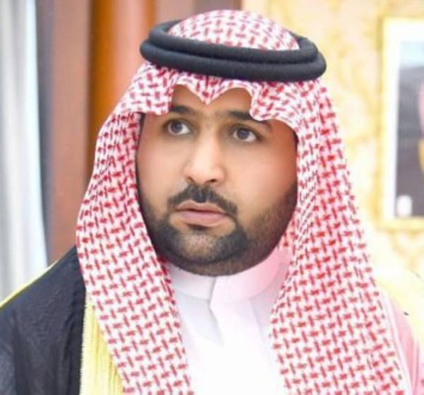 أمير جازان بالنيابة ينقل تعازي القيادة لذوي الشهيد الحكمي