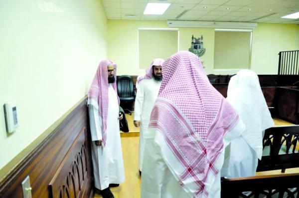 الشيخ الشريم في جولة داخل الكلية