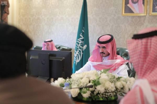 نائب أمير مكة مترئسا الاجتماع