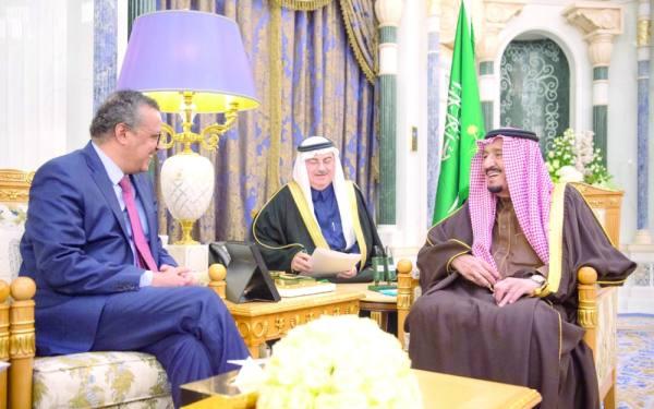 الملك سلمان خلال استقبال مدير منظمة الصحة العالمية