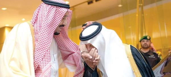 خادم الحرمين يسلم الفائزين جائزة الملك فيصل العالمية في دورتها 41