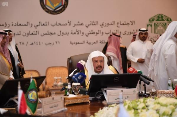 آل الشيخ: المملكة تولي الدفاع عن القضايا العربية والإسلامية أهمية خاصة