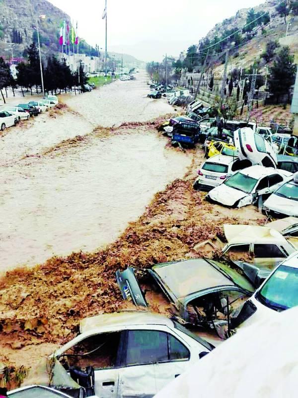 السيول في المدن الإيرانية