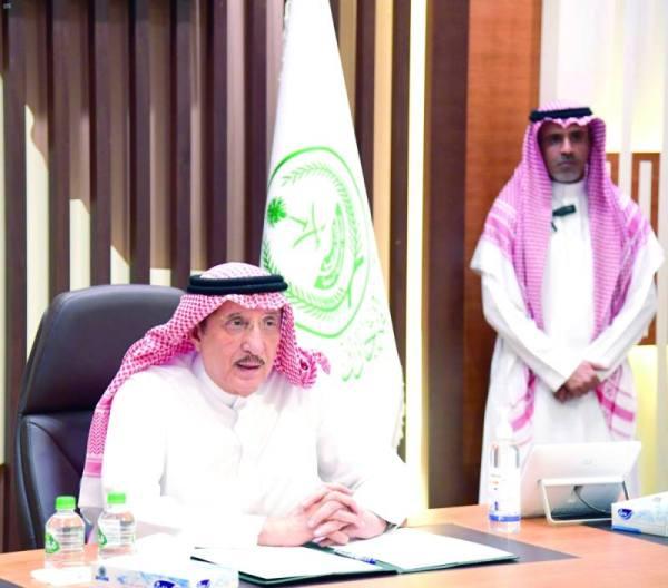 محمد بن ناصر خلال الاجتماع