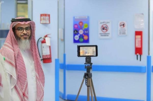 المدينة المنورة : مستشفى الملك فهد يدشن الزيارة الافتراضية لمرضى العناية المركزة عبر الفيديو