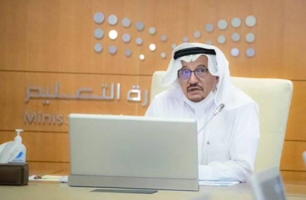 وزير التعليم: التقويم عن بُعد مستمر لنهاية العام الدراسي