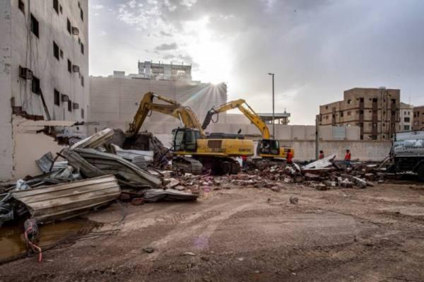 أمانة المدينة تبدأ إزالة العقارات المعترضة لتنفيذ الدائري الأوسط