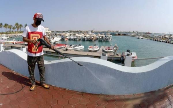 تعقيم القوارب في جدة