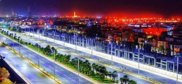 انتشار أمني مكثف بشوارع جدة والتزام تام بمواعيد التجول