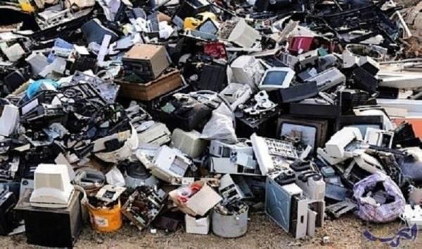 النفايات الإلكترونية.. قنابل موقوتة داخل البيوت والشوارع