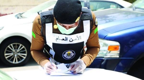 « المدينة » ترافق شرطة مكة في رصد 4 مخالفات داخل الأحياء الشعبية