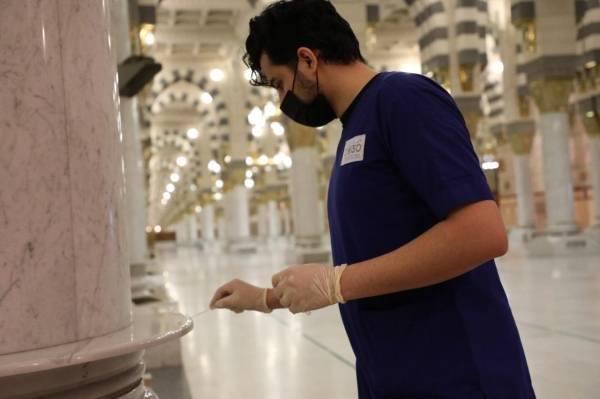 تعقيم المصليات النسائية بالمسجد النبوي ضمن الإجراءات الاحترازية والوقائية
