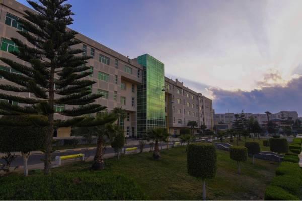 3780 متقدمًا ومتقدمة لبرامج الدراسات العليا بجامعة الملك خالد