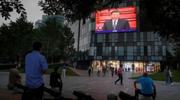 كورونا : الانتقاد ممنوع في الصين وطائرات مسيرة في سيول وموناليزا بدون ازدحام
