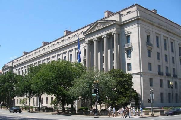 واشنطن تتهم صينيين اثنين بقرصنة أبحاث تتصل بكوفيد-19