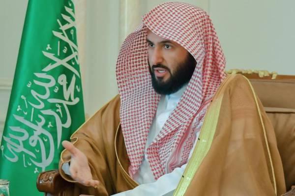 وزير العدل يهنئ خادم الحرمين بنجاح العملية الجراحية