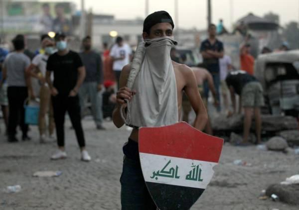 بغداد : احتجاجات شعبية تدين الفساد وتطالب بالخدمات