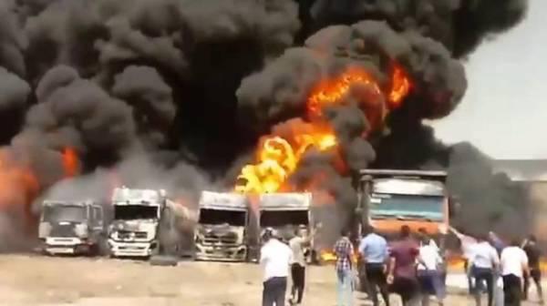 ضمن سلسلة انفجارات متتالية.. حريق يثير الذعر غرب إيران